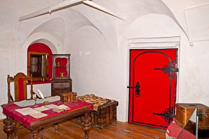 Sapozhnikov House interior - Master's room