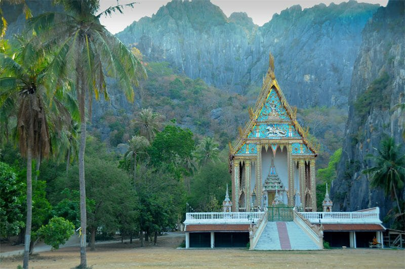 Wildlife watching in Khao Sam Roy Yot - Temple
