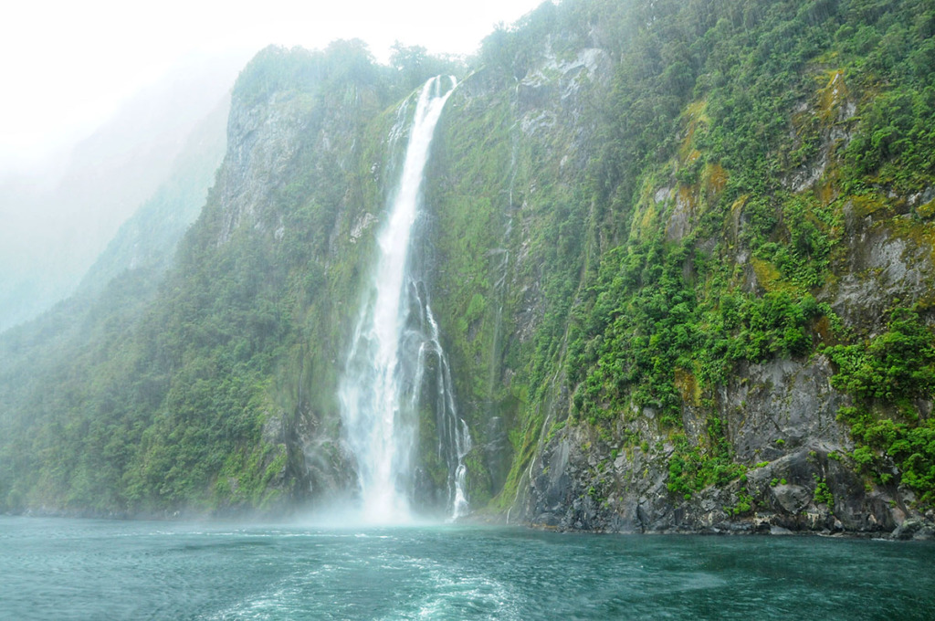 Milford Sound waterfalls - Bridal veil falls