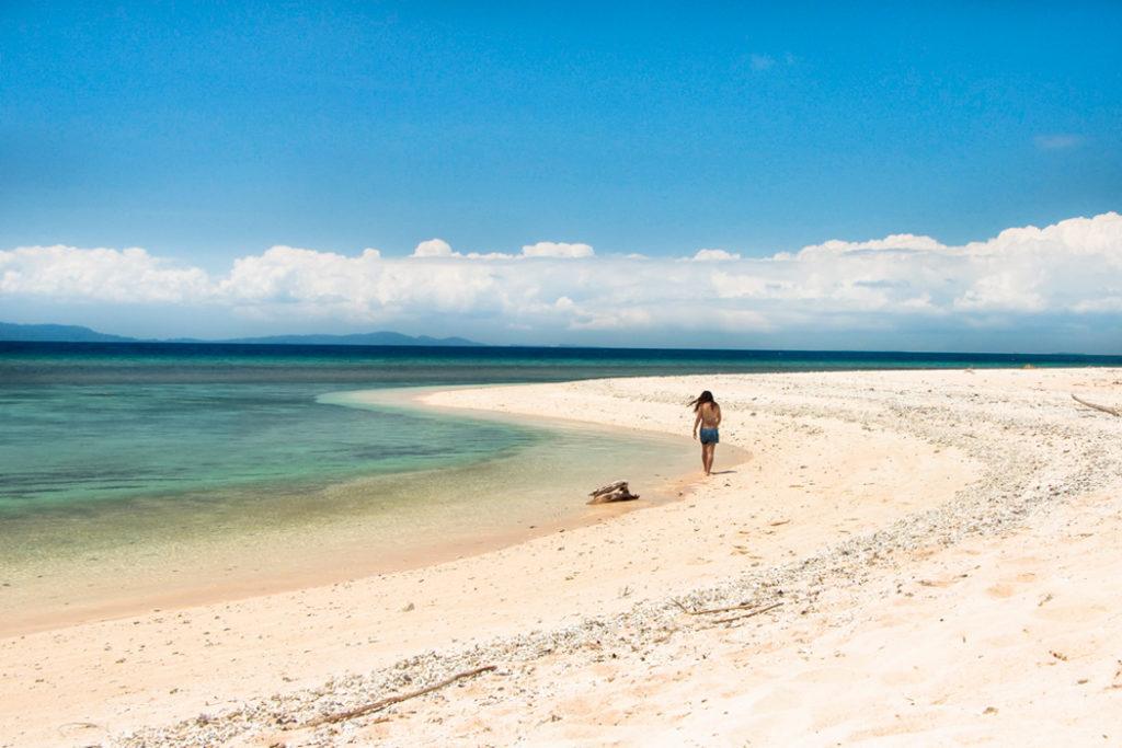 Things to do in Palawan - island hopping in Balabac