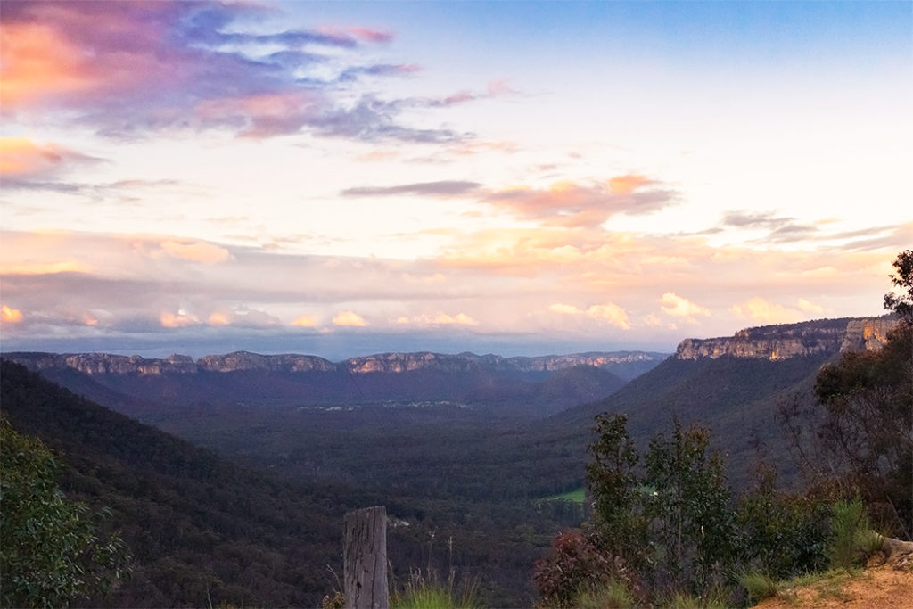 Wolgan Valley lookout at sunset