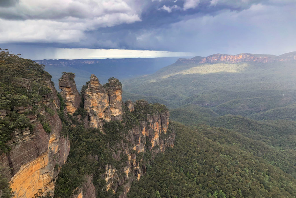 Three Sisters Lookout Blue Mountains